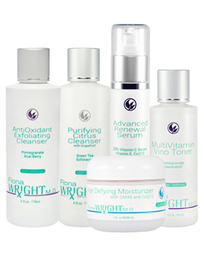 This system is richly with the powerful antioxidants to address the signs of aging and provide extraordinary protection against environmental skin stressors