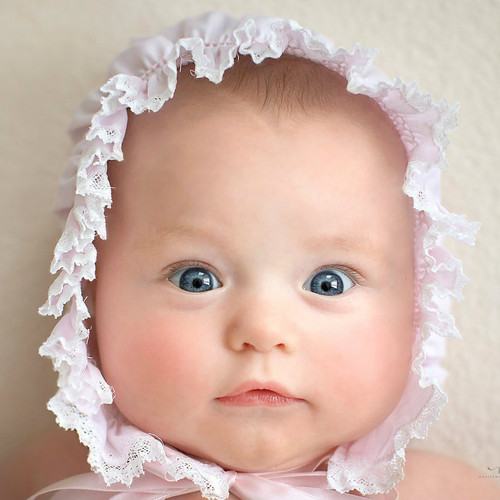 Girls Smocked Lace Bonnet