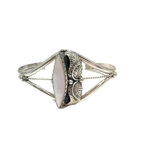 Elongated Pink Mussel Shell Stone .925 Sterling Silver Navajo Tribe Native American Jewelry Handcrafted