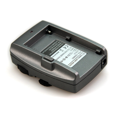 http://www.smallrig.com/product_images/a/187/SMALLRIG-DV-Battery-Plate-Adapter-for-BMPCCBMCC-MPC-1765-01__72532.jpg