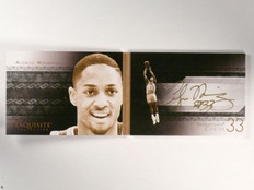 13-14 Upper Deck Exquisite Game Face Alonzo Mourning autograph auto book *46111