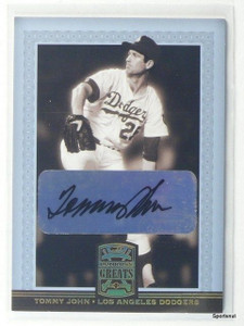 2005 Donruss Greats Tommy John autograph auto #83 *43065