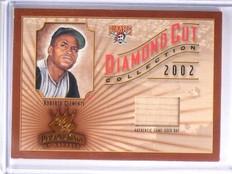 2002 Donruss Diamond Kings Cut Roberto Clemente bat #D224/300 #DC-96 *58496