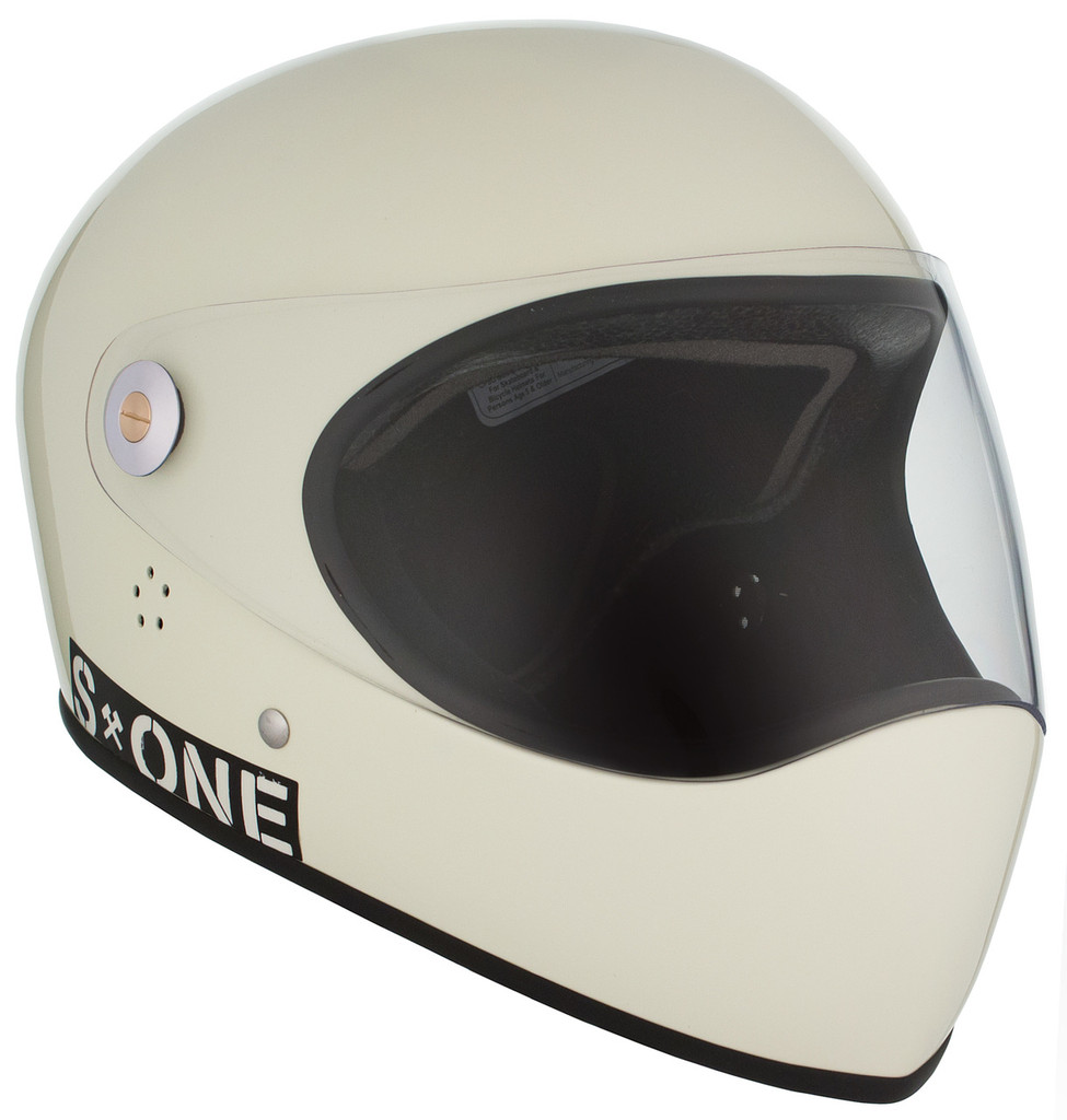 Moto White Gloss W/ Clear Visor   S1 Lifer Full Face Helmet Specs: • Specially formulated EPS Fusion Foam • Certified Multi-Impact (ASTM) • Certified High Impact (CPSC) • 5x More Protective Than Regular Skate Helmets • Deep Fit Design