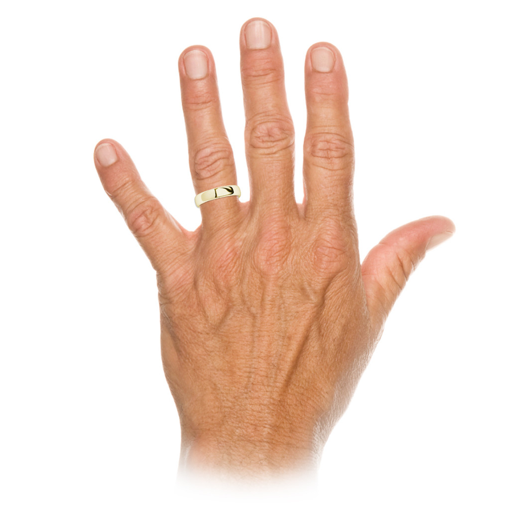 stylerocks-round-brilliant-cut-black-diamond-yellow-gold-wedding-ring-on-hand