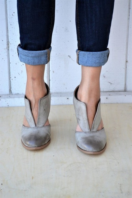 Falling for Fall | Taupe Heels